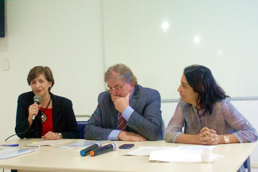 Na foto, da esquerda para a direita: Izabel Cecarelli/Presidente da Geoambiente, Eugenio Spengler/Secretário do Meio Ambiente e Marcia Cristina Telles de Araújo Guedes/Diretora geral do INEMA.